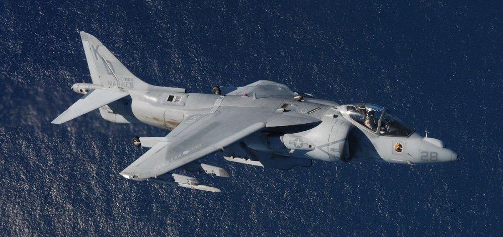 AV-8B Harrier II. Штурмовик вертикального взлета. (США)