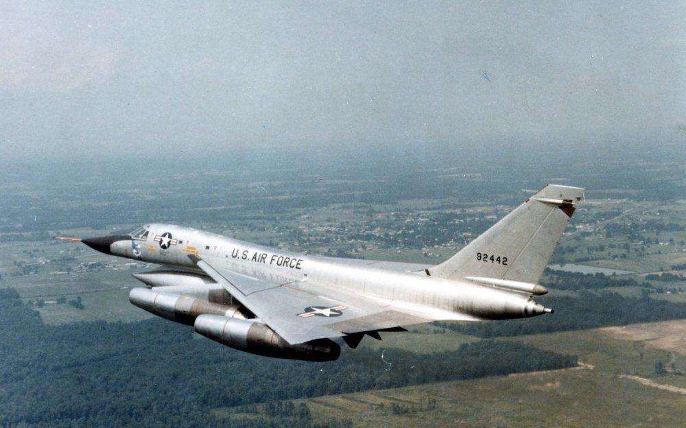 Convair B-58 Hustler. Дальний бомбардировщик. (США)