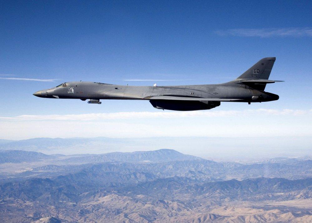 """Rockwell B-1 """"Lancer"""". Стратегический бомбардировщик. (США)"""