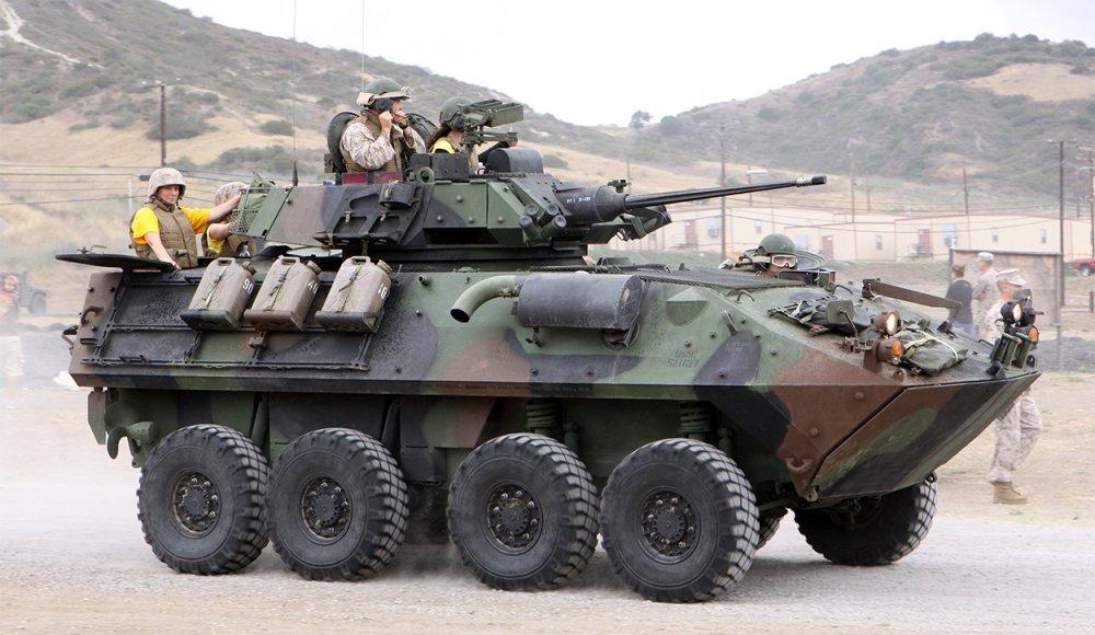 LAV-25. БТР. (Канада)
