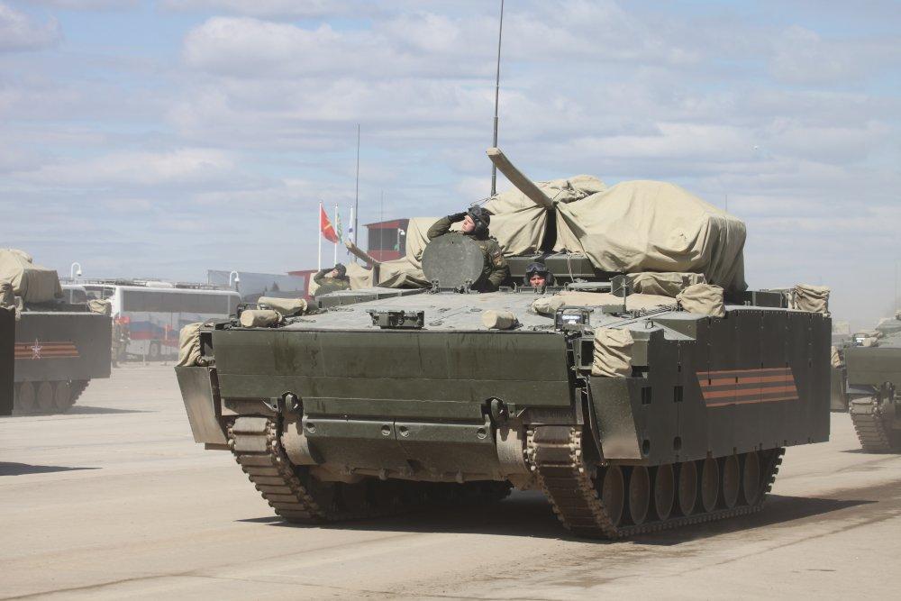 Курганец-25. Универсальная гусеничная платформа для БТР, БМП, БМД. (Россия)