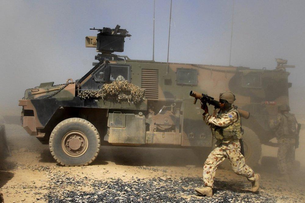 Bushmaster. БТР. (Австралия)