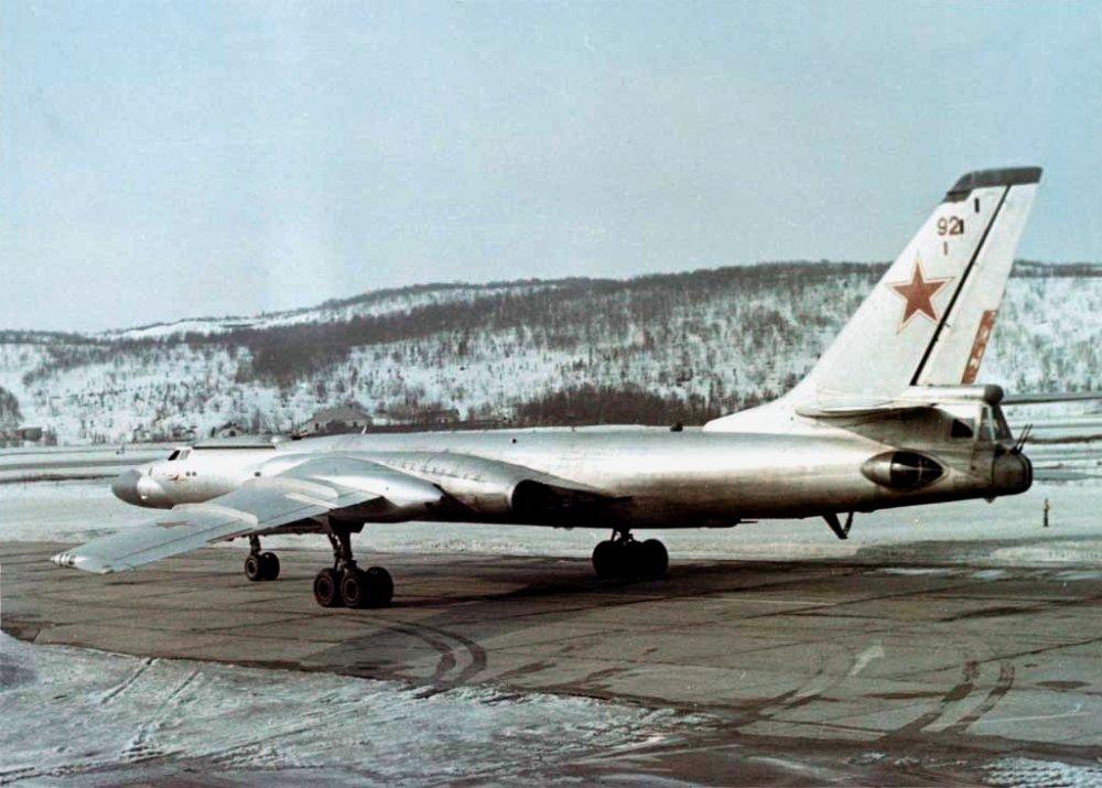 Ту-16. Дальний бомбардировщик. (СССР)