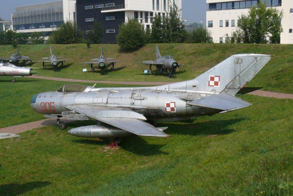 МиГ-19. Истребитель. (СССР)