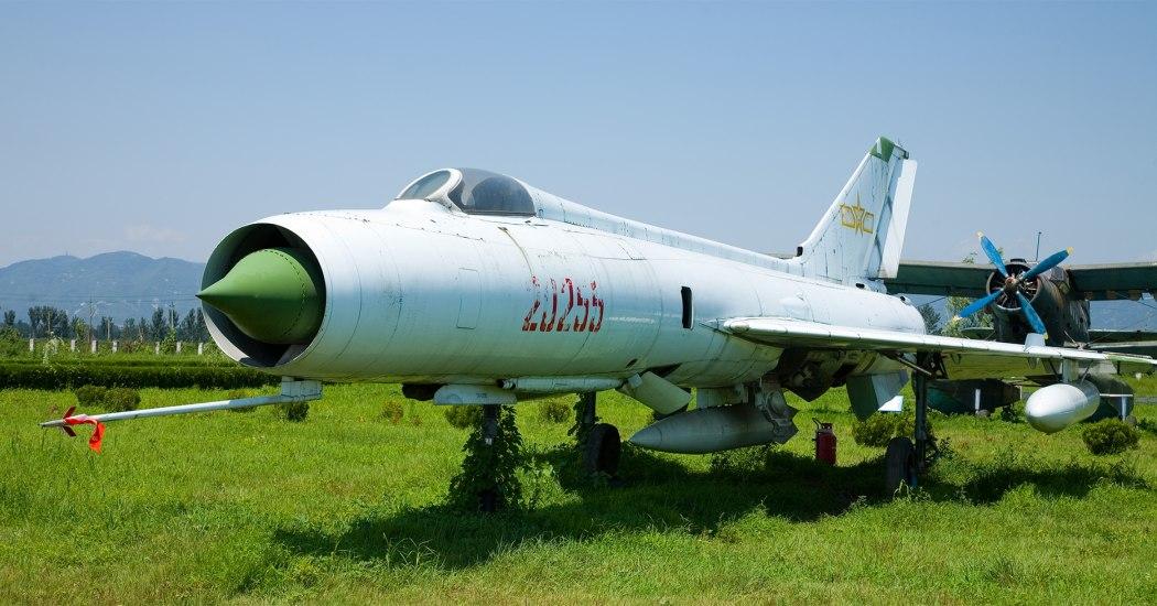 Shenyang J-8, I. Истребитель-перехватчик. (Китай)
