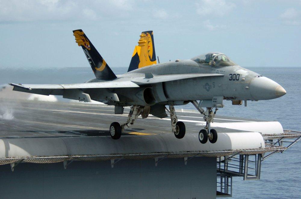 McDonnel Douglas F/A-18 Hornet. Многоцелевой истребитель. (США)