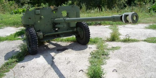 СД-57 - советская самодвижущаяся противотанковая пушка. Разработана в ОКБ-9 в Свердловске. Индекс ГАУ - 52-П-274.