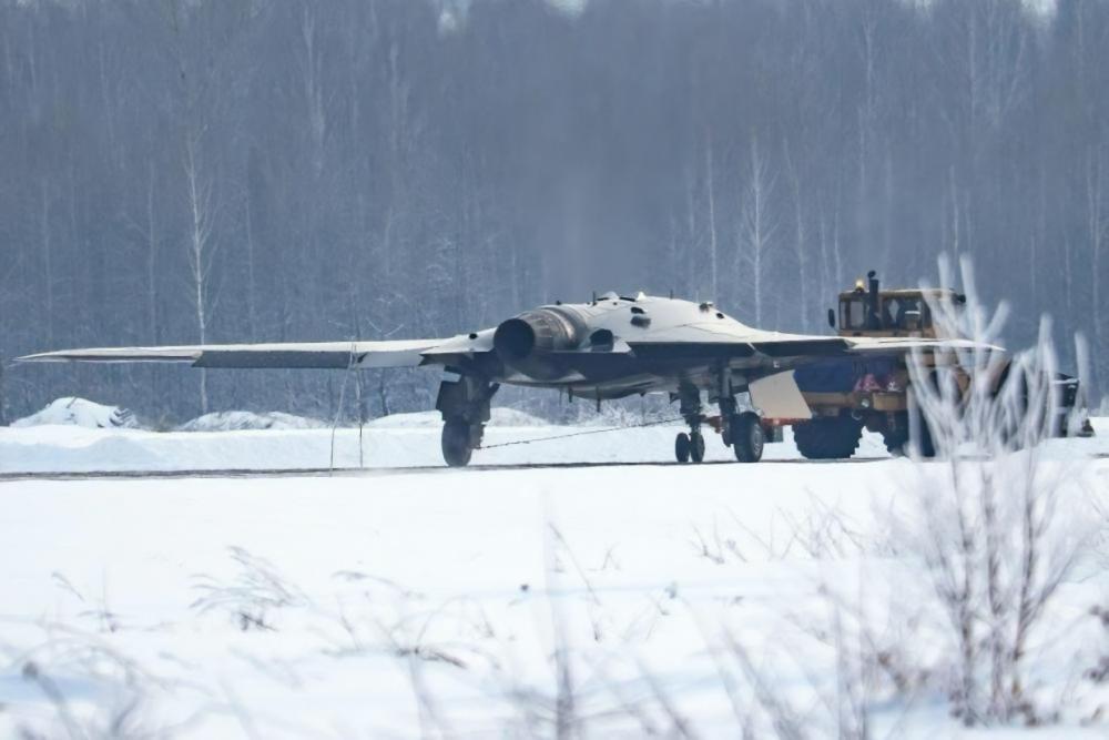 С-70 «Охотник». Ударно-разведывательный беспилотный комплекс. (Россия).