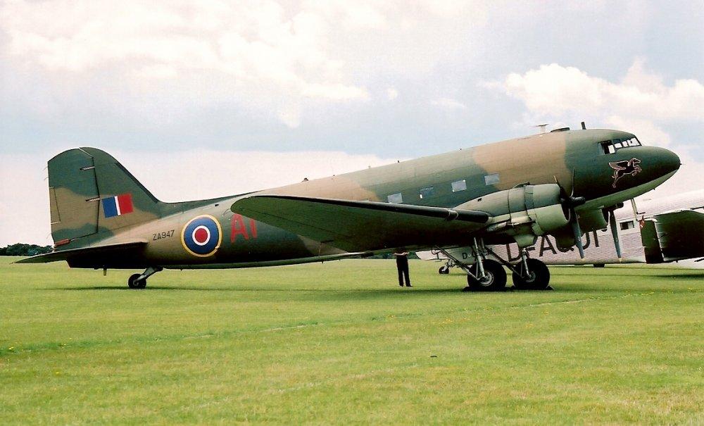 """Douglas C-47 """"Skytrain"""", """"Dakota"""". Военно-транспортный самолет. (США)"""