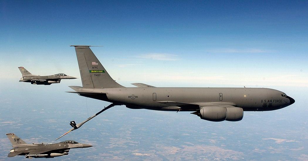 KC-135 Stratotanker. Транспортный самолет. (США)