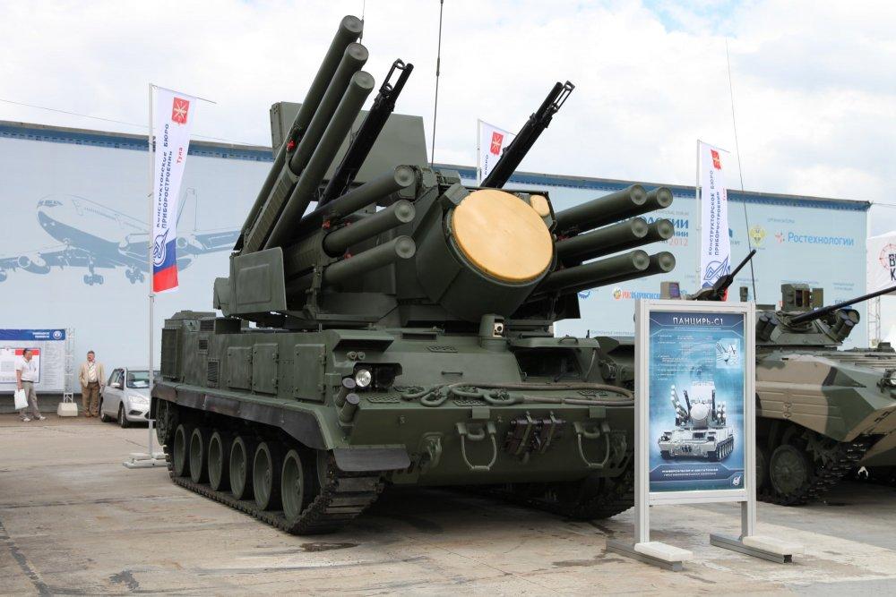 """Панцирь-С1"" на базе шасси ГМ352М1Е."