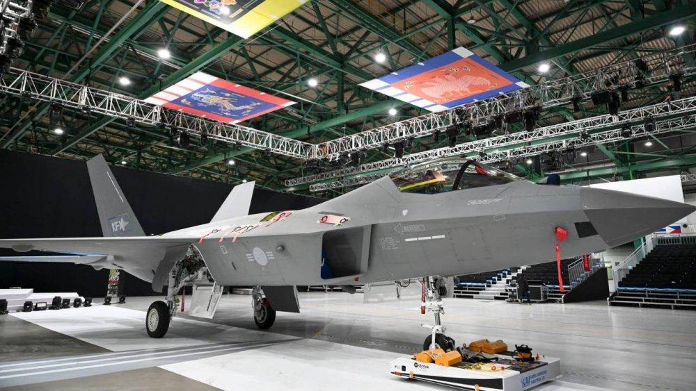 Южная Корея представила собственный истребитель KF-21