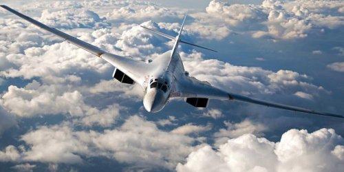 Стратегические бомбардировщики Ту-160 перебросили к границе США
