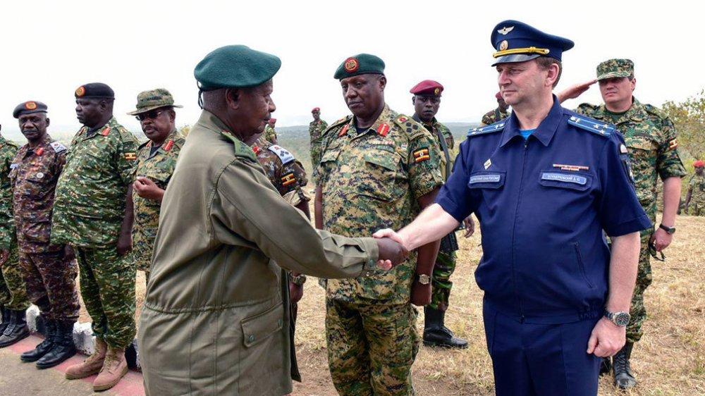Россия наращивает поставки оружия и техники в страны Африки