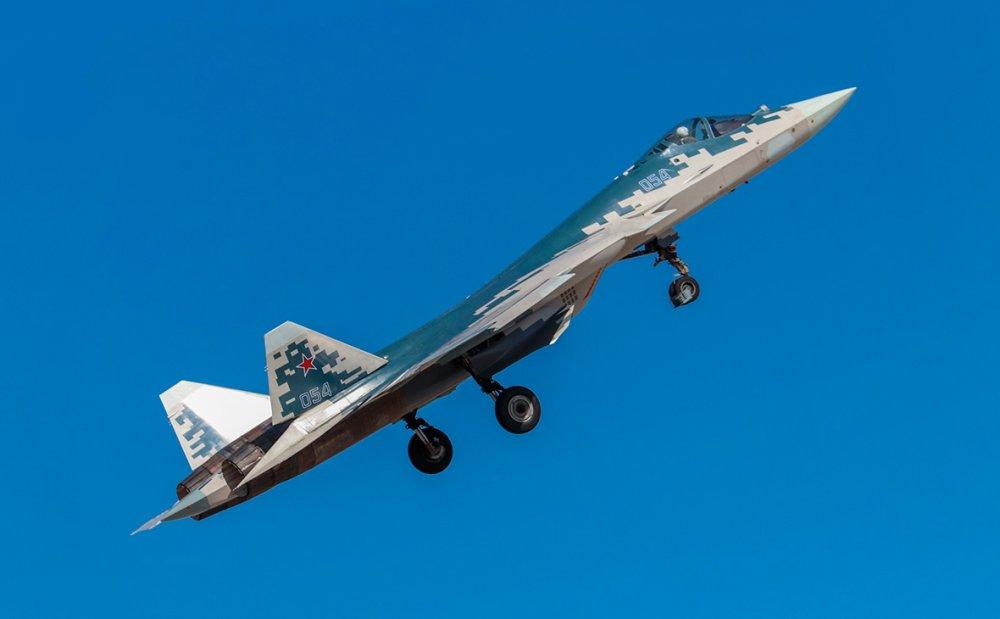 ВКС России получат два серийных истребителя Су-57 в 2021 году