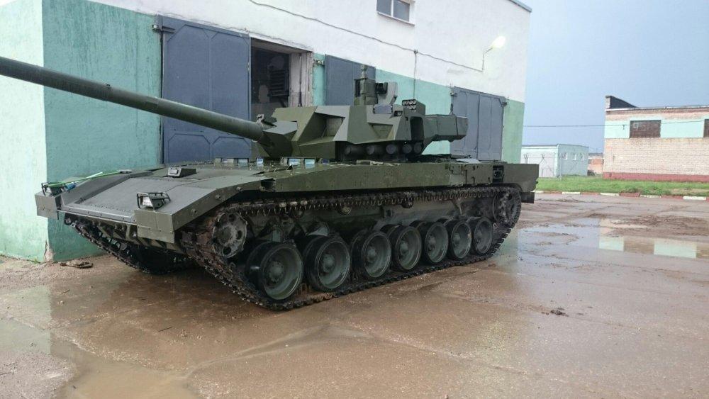 """Названы десять главных преимуществ танка Т-14 """"Армата"""""""