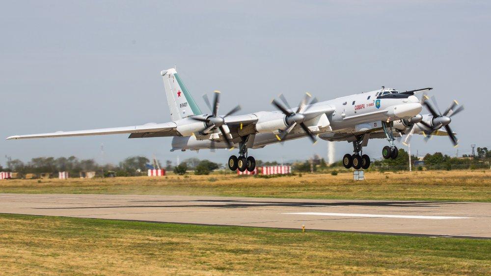 Сопровождение российских самолетов становится проблемой для ВВС США